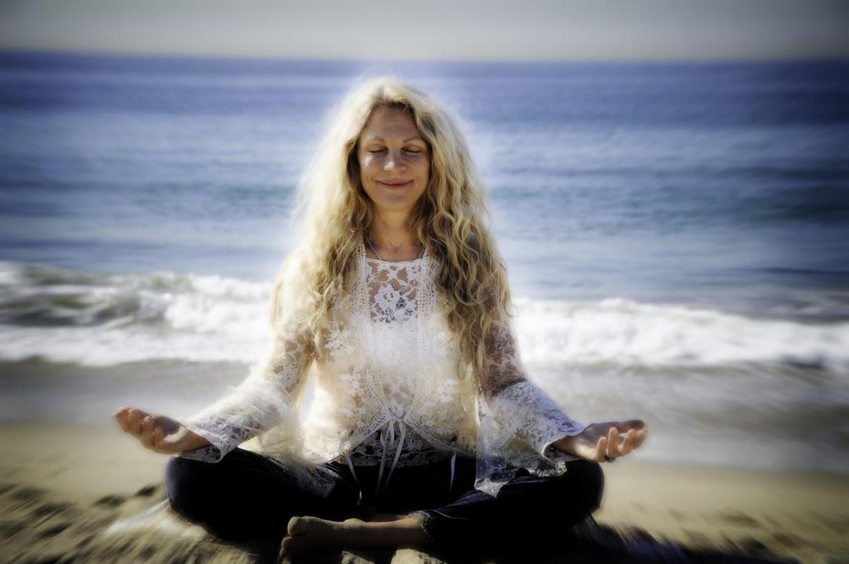 mempertahankan_meditasi_yoga