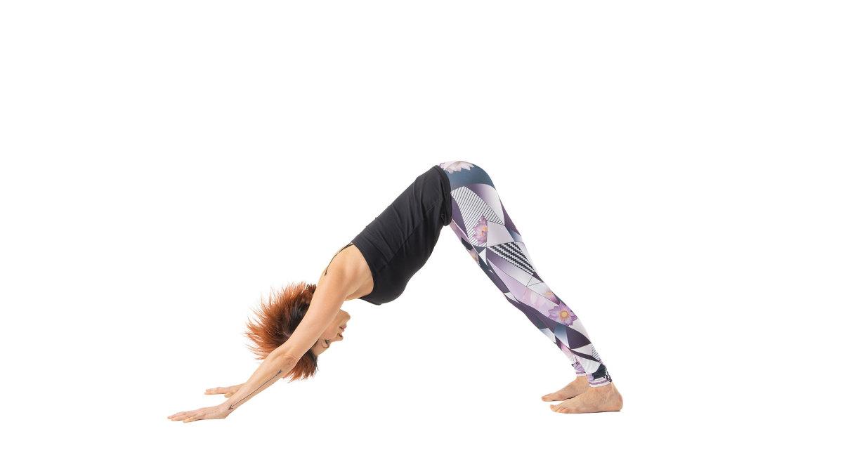 yoga_anjing_yang_menghadap_ke_bawah