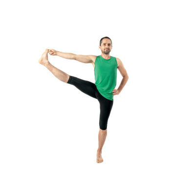 yoga_memegang_jempol_kaki