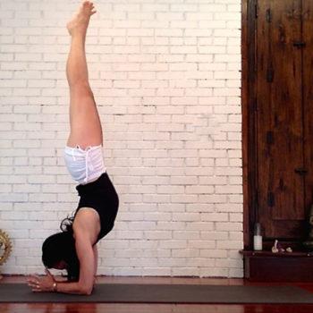 yoga_pose-merak-berbulu