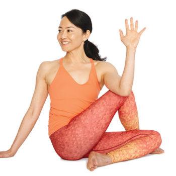 yoga_setengah_ikan