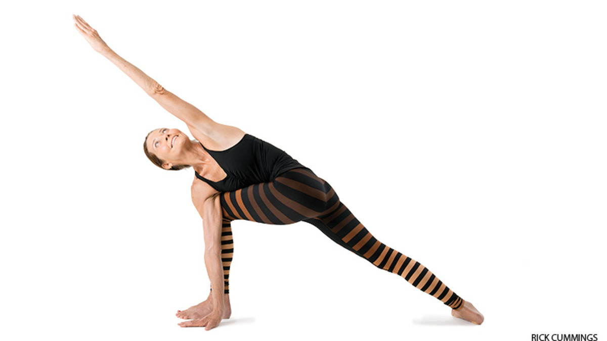 yoga_revolved_side_angle