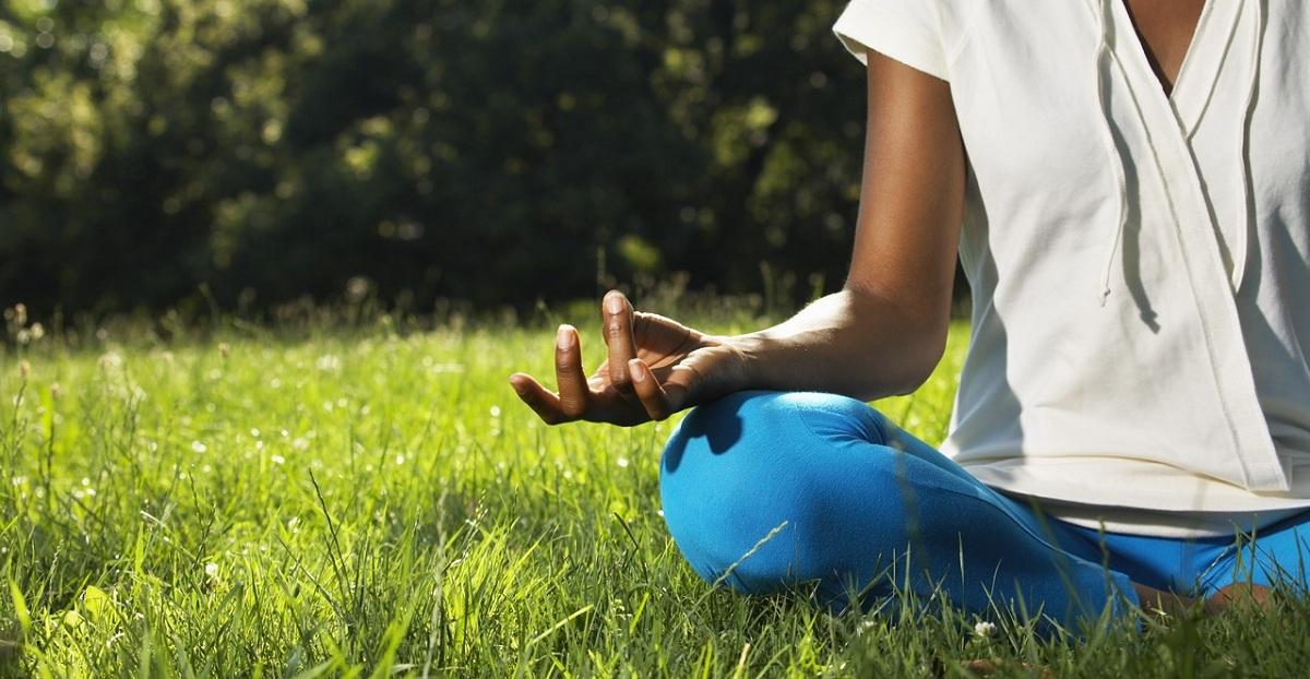 yoga_meditasi_mantra
