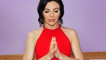 yoga_salutation_seal