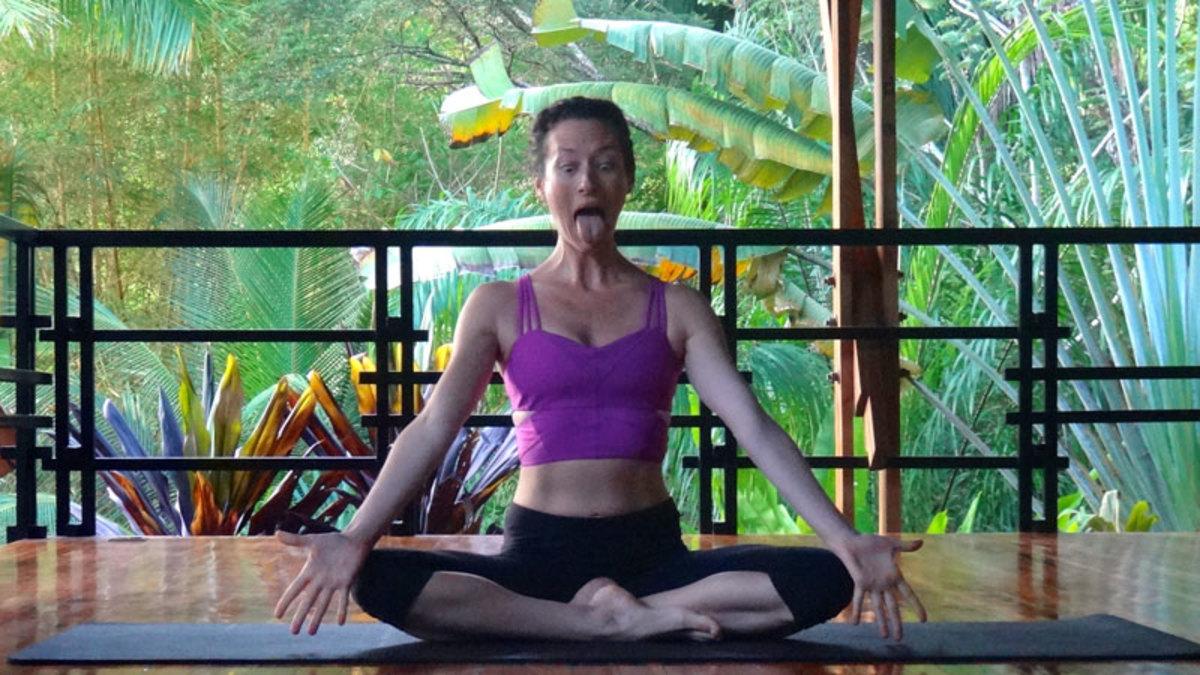 yoga_singa